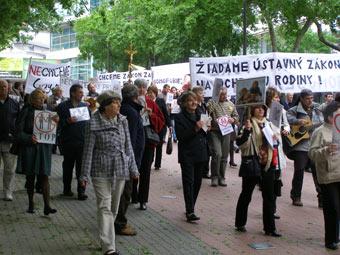 proti-homo-pochod